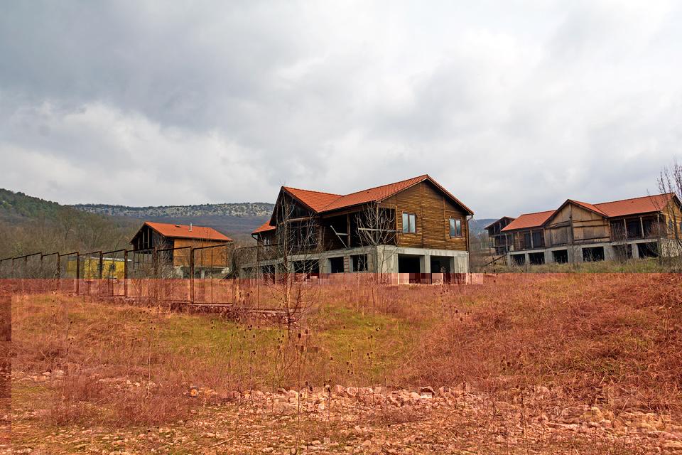 Заброшенный коттеджный посёлок